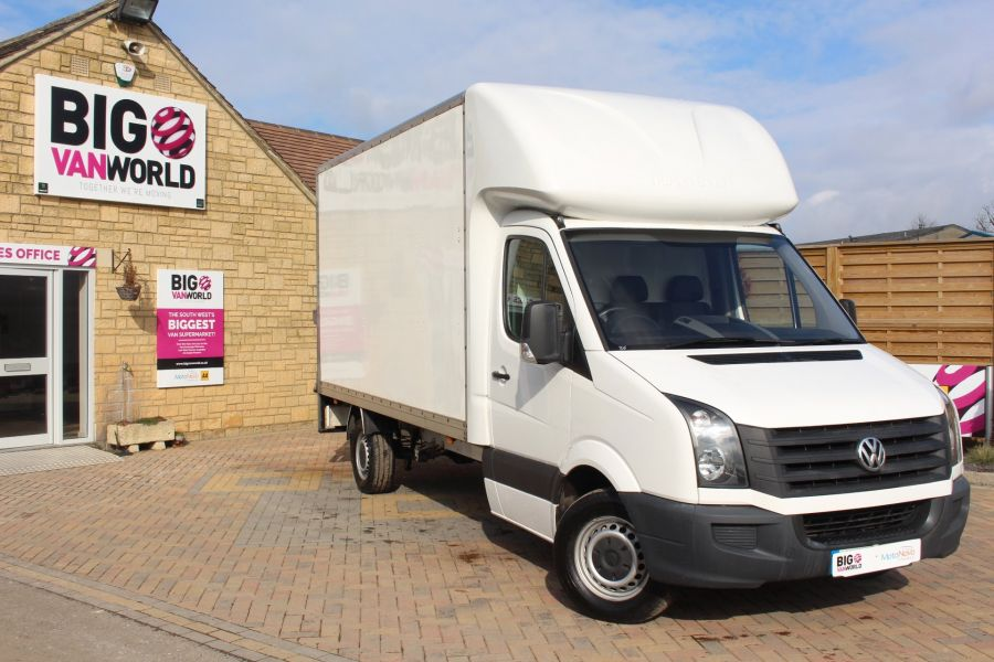 VOLKSWAGEN CRAFTER CR35 TDI 109LUTON WITH TAIL LIFT - 7362 - 1