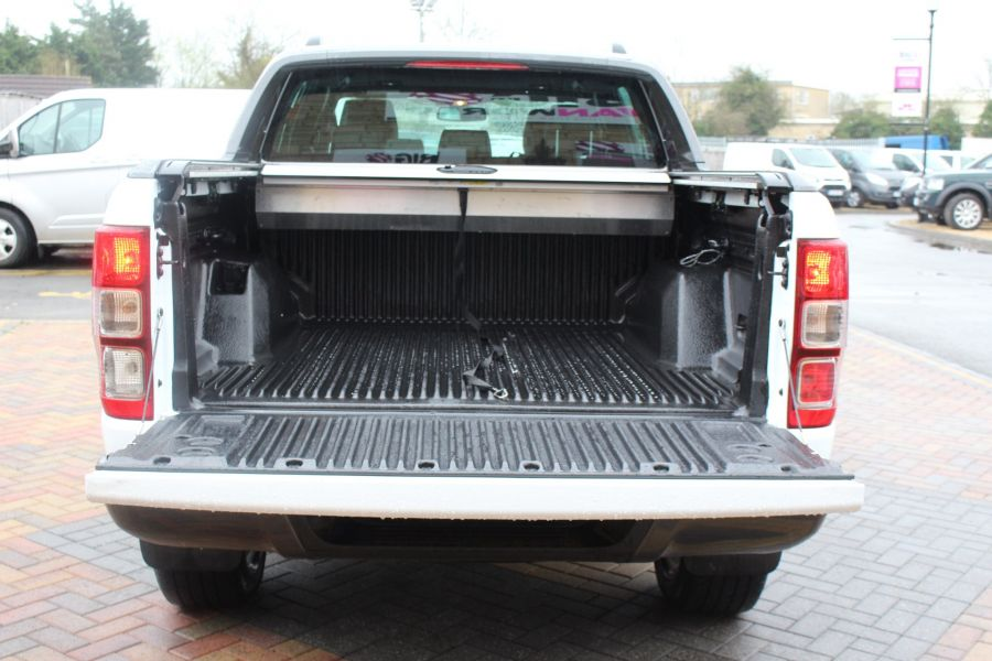 FORD RANGER WILDTRAK TDCI 200 4X4 DOUBLE CAB WITH ROLL'N'LOCK TOP - 7576 - 24