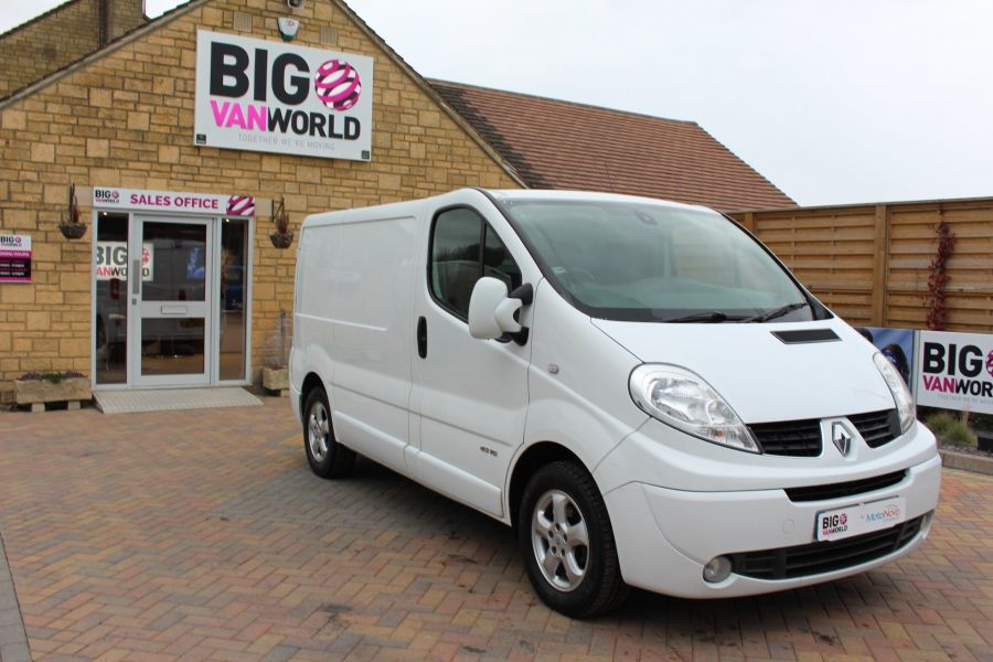 RENAULT TRAFIC SL27 DCI ECO2 115 SPORT QUICKSHIFT SWB LOW ROOF - 7484 - 2