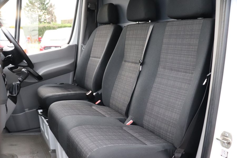 MERCEDES SPRINTER 314 CDI 140 MWB HIGH ROOF - 12097 - 29