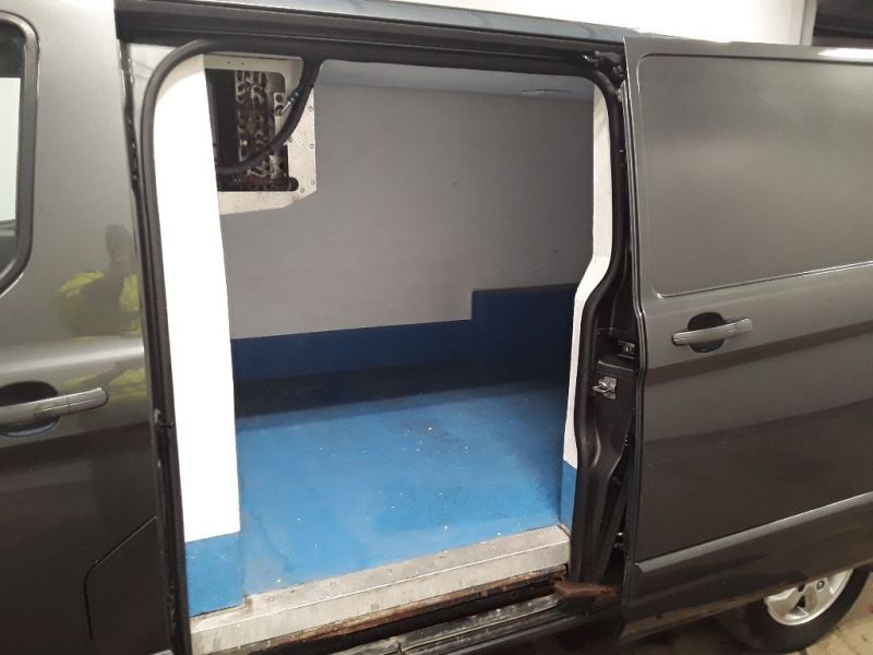 FORD TRANSIT CUSTOM 290 TDCI 125 L2H1 LIMITED FRIDGE VAN LWB LOW ROOF FWD - 11765 - 11