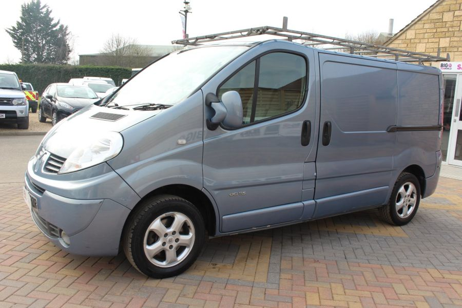 RENAULT TRAFIC SL27 DCI 115 SPORT SWB LOW ROOF - 7442 - 8