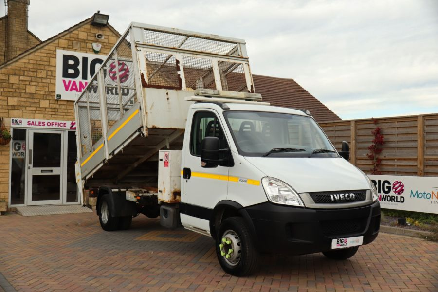 IVECO DAILY 70C18 3450 WB SINGLE CAB ALLOY CAGED TIPPER WITH TAIL LIFT - 9614 - 1