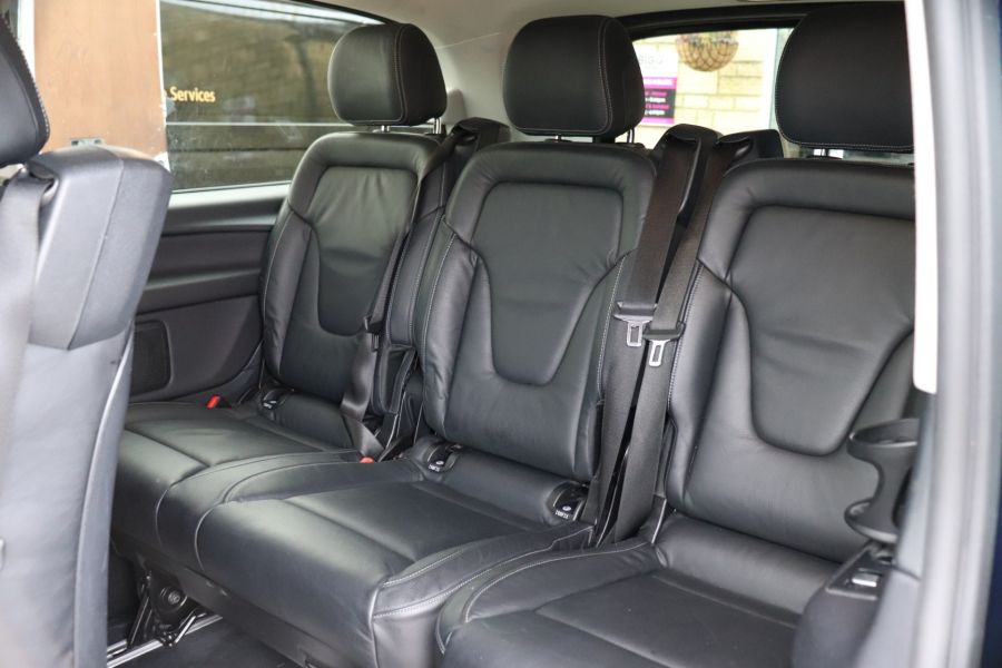 MERCEDES V-CLASS V250 CDI 188 BLUETEC SE 8 SEAT EXTRA LONG - 10420 - 45