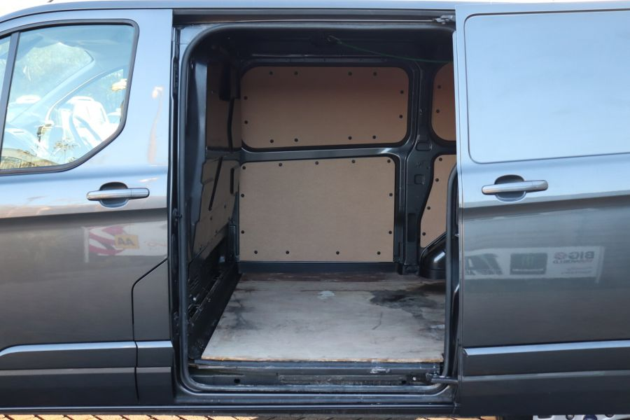 FORD TRANSIT CUSTOM 310 TDCI 155 L1H1 LIMITED SWB LOW ROOF FWD - 9827 - 33