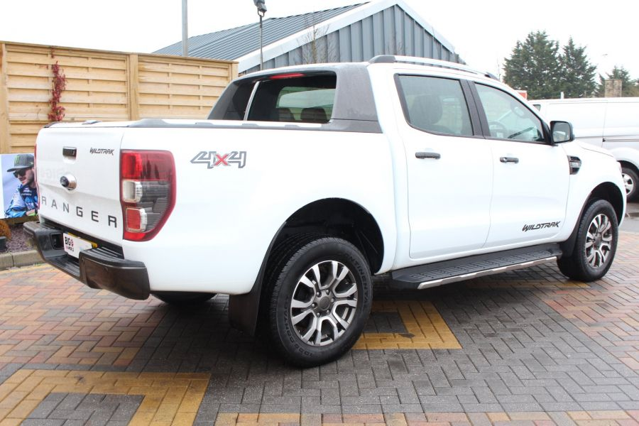 FORD RANGER WILDTRAK TDCI 200 4X4 DOUBLE CAB WITH ROLL'N'LOCK TOP - 7576 - 5