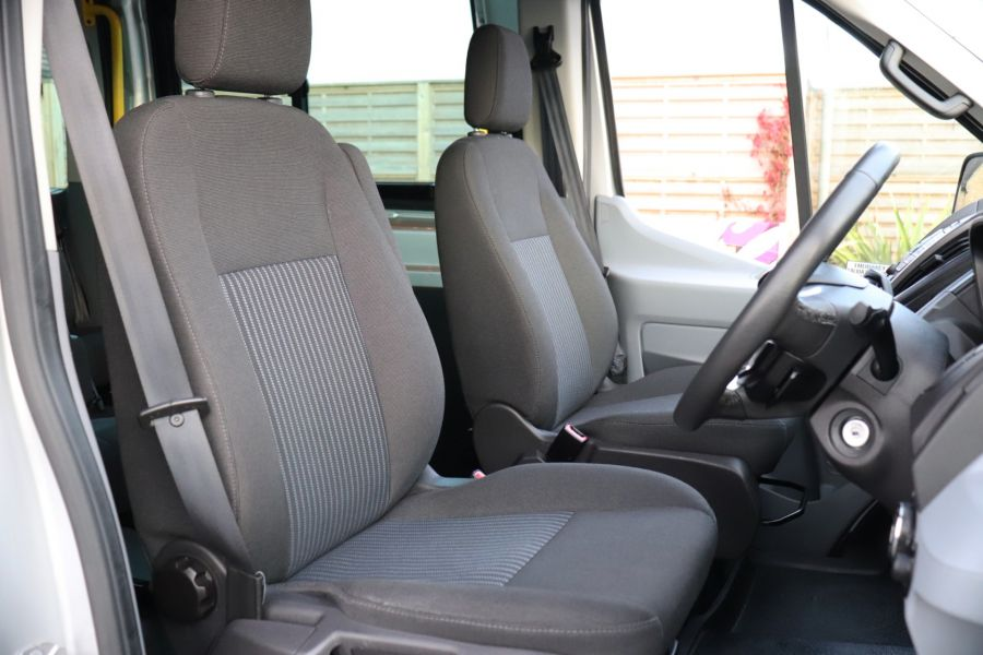 FORD TRANSIT 460 TDCI 155 L4H3 TREND 17 SEAT BUS HIGH ROOF DRW RWD - 10109 - 12