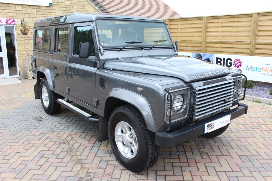LAND ROVER DEFENDER 110 TD XS STATION WAGON 7 SEATER - 6197 - 3