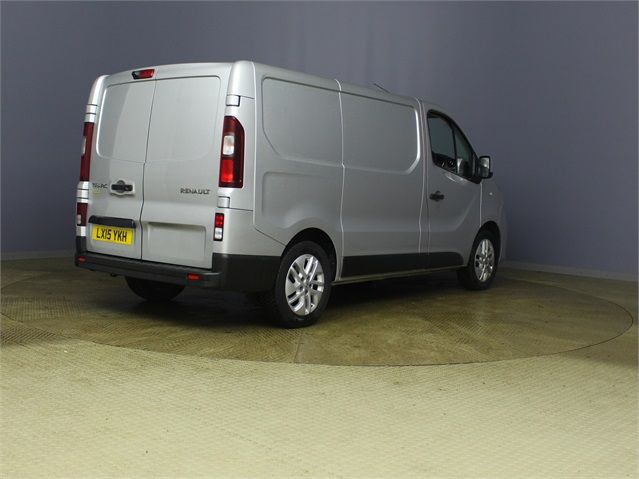 RENAULT TRAFIC SL27 DCI 120 SPORT ENERGY SWB LOW ROOF - 7629 - 2