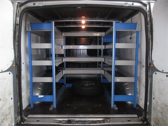 FORD TRANSIT 260 TDCI 100 TREND SWB LOW ROOF FWD - 7515 - 11
