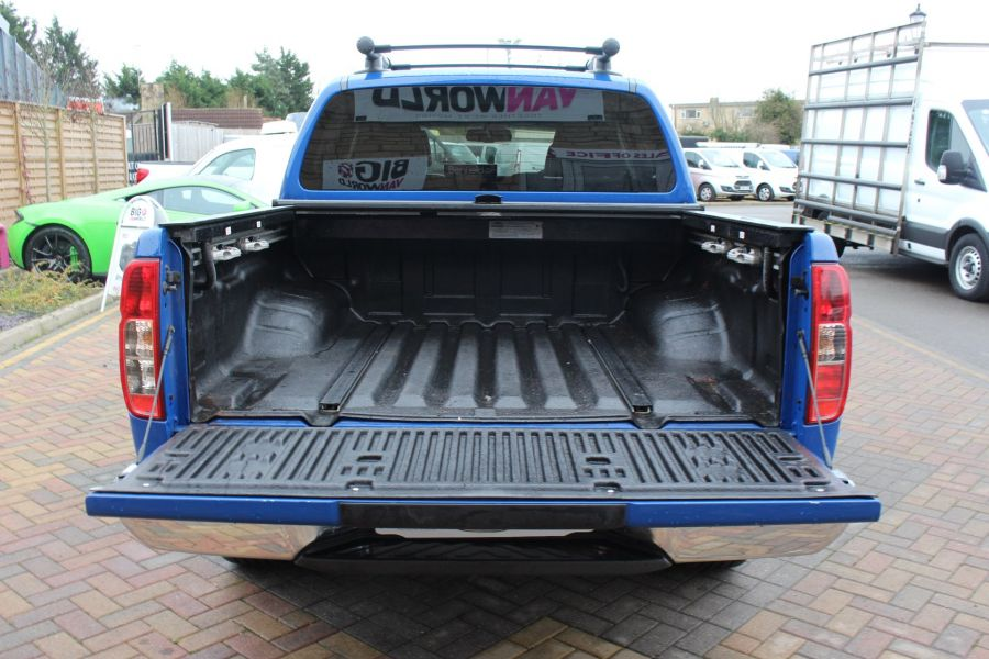 NISSAN NAVARA OUTLAW DCI 231 4X4 SHR DOUBLE CAB WITH ROLL'N'LOCK TOP - 6936 - 25