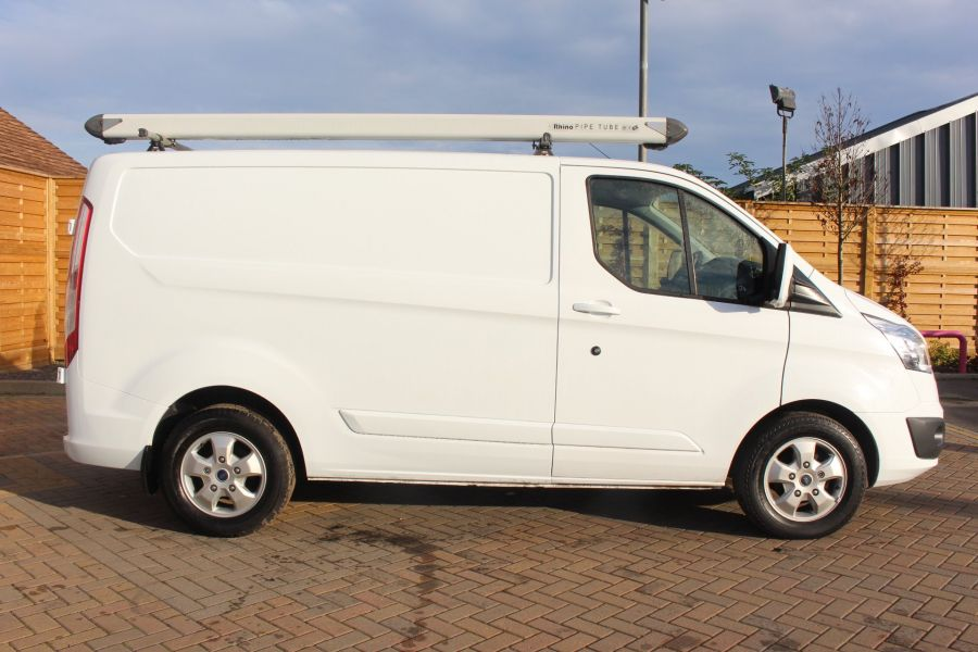 FORD TRANSIT CUSTOM 290 TDCI 125 L1 H1 LIMITED SWB LOW ROOF FWD - 6858 - 4