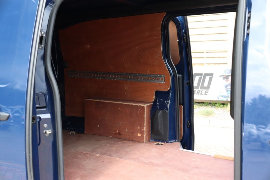 PEUGEOT EXPERT 2.0 BLUE HDI 120 PROFESSIONAL LONG LOW ROOF - 10572 - 37