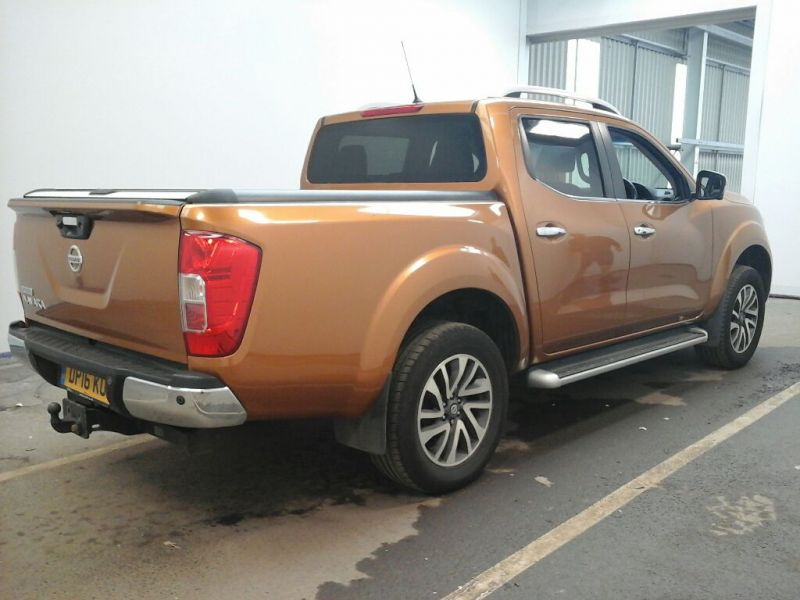 NISSAN NAVARA DCI 190 TEKNA 4X4 DOUBLE CAB WITH ROLL'N'LOCK TOP - 9931 - 3