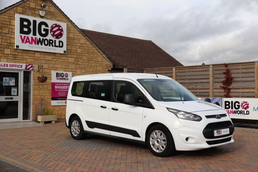 FORD GRAND TOURNEO CONNECT TDCI 95 COMBI VAN WITH WHEELCHAIR ACCESS - 11545 - 3