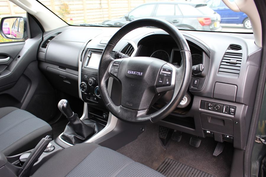 ISUZU D-MAX TD 163 YUKON VISION DOUBLE CAB WITH TRUCKMAN TOP - 9450 - 18