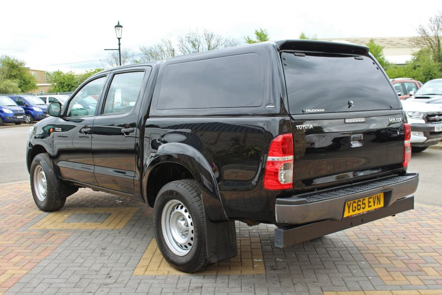 TOYOTA HI-LUX ACTIVE 4X4 D-4D 144 DOUBLE CAB WITH TRUCKMAN TOP - 9046 - 7