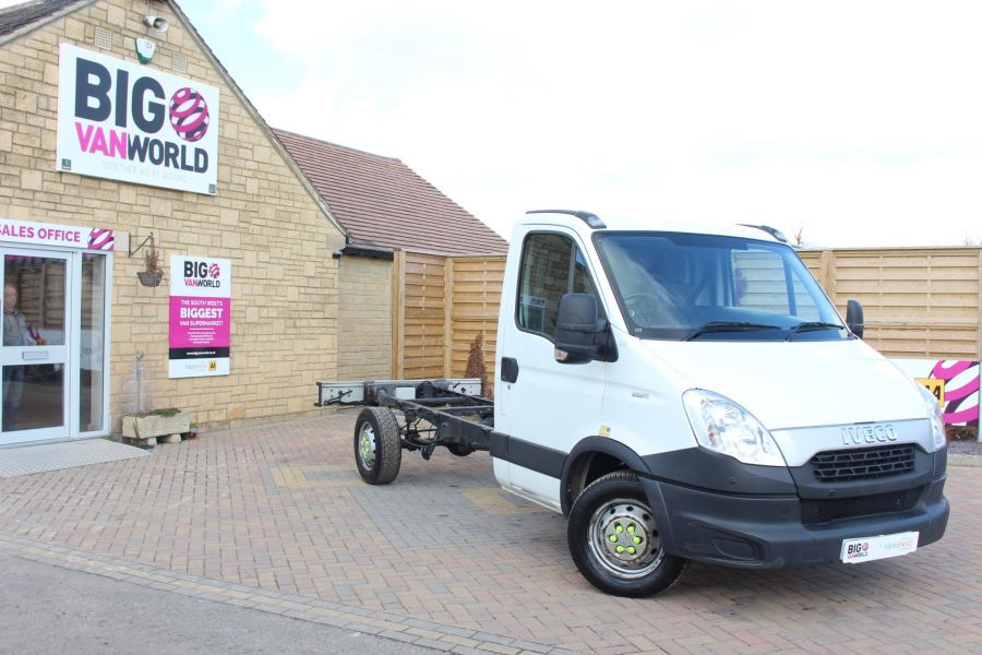 IVECO DAILY 35S11 3750 WB CHASSIS CAB - 7296 - 1