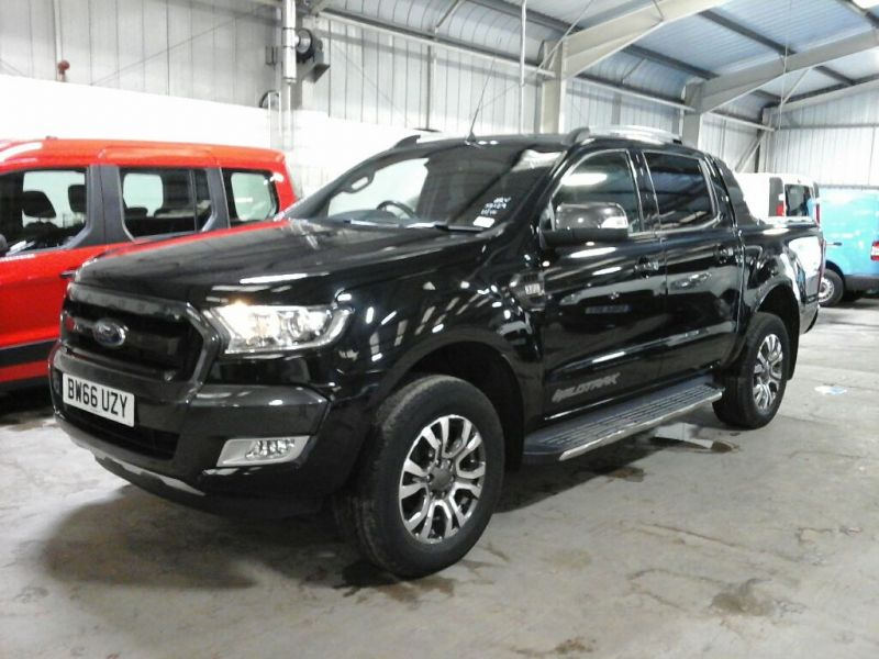 FORD RANGER WILDTRAK TDCI 200 4X4 DOUBLE CAB WITH ROLL'N'LOCK TOP - 10104 - 1