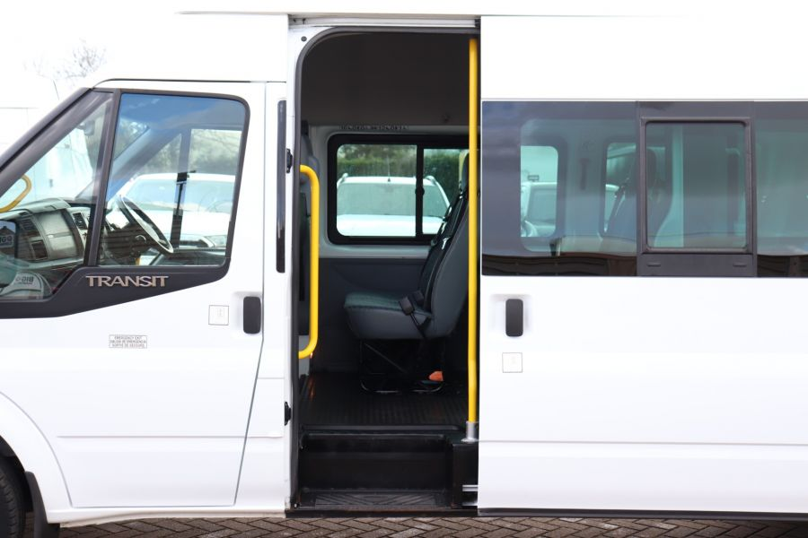 FORD TRANSIT 430 TDCI 135 EL LWB 17 SEAT BUS HIGH ROOF WITH WHEELCHAIR ACCESS RAMP DRW RWD - 10401 - 31