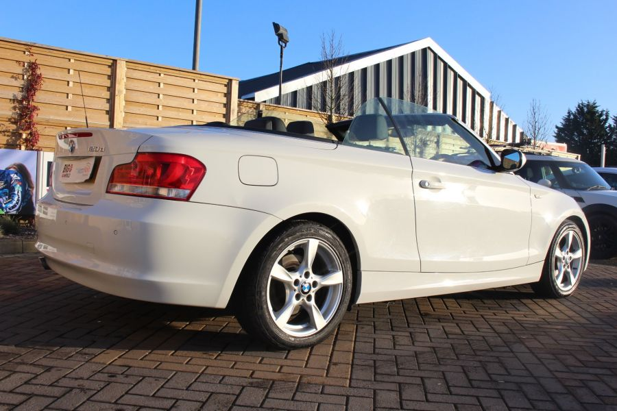 BMW 1 SERIES 120D EXCLUSIVE EDITION - 5886 - 14