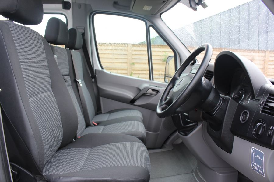 MERCEDES SPRINTER 316 CDI 163 TRAVELINER LWB 15 SEAT BUS HIGH ROOF - 8100 - 11