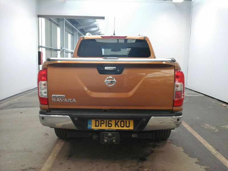 NISSAN NAVARA DCI 190 TEKNA 4X4 DOUBLE CAB WITH ROLL'N'LOCK TOP - 9931 - 4