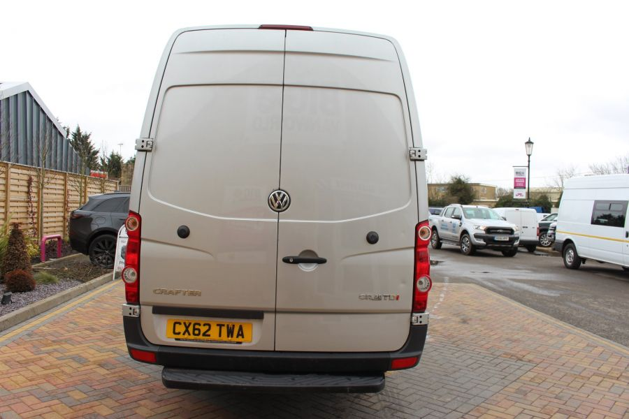 VOLKSWAGEN CRAFTER CR35 TDI 143 LWB HIGH ROOF - 7581 - 6