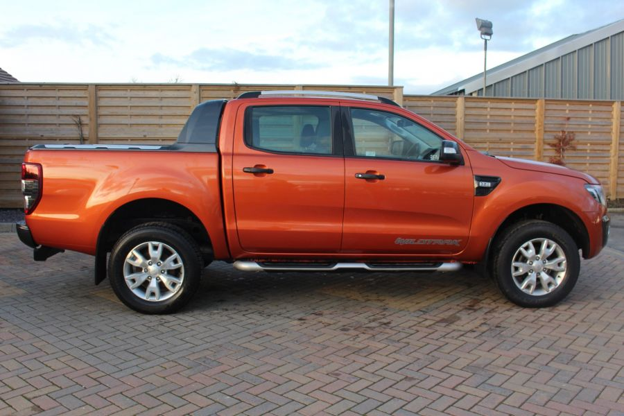 FORD RANGER WILDTRAK TDCI 200 4X4 DOUBLE CAB WITH ROLL'N'LOCK TOP - 8827 - 4