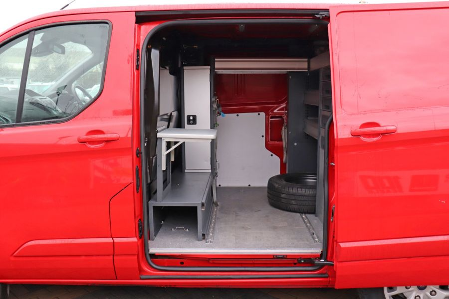 FORD TRANSIT CUSTOM 290 TDCI 125 L1H1 LIMITED SWB LOW ROOF FWD - 11904 - 39