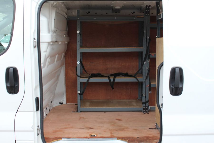 RENAULT TRAFIC SL27 DCI ECO2 115 SPORT QUICKSHIFT SWB LOW ROOF - 7484 - 24