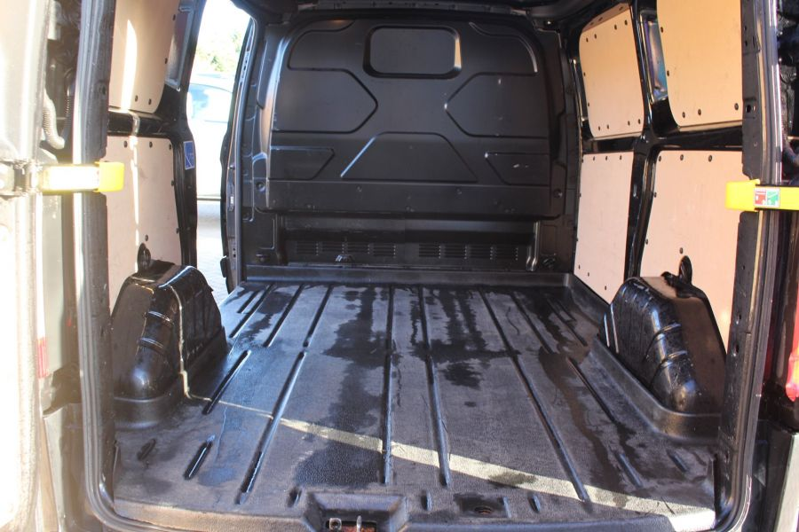 FORD TRANSIT CUSTOM 290 TDCI 125 L1 H1 LIMITED SWB LOW ROOF FWD - 6984 - 22