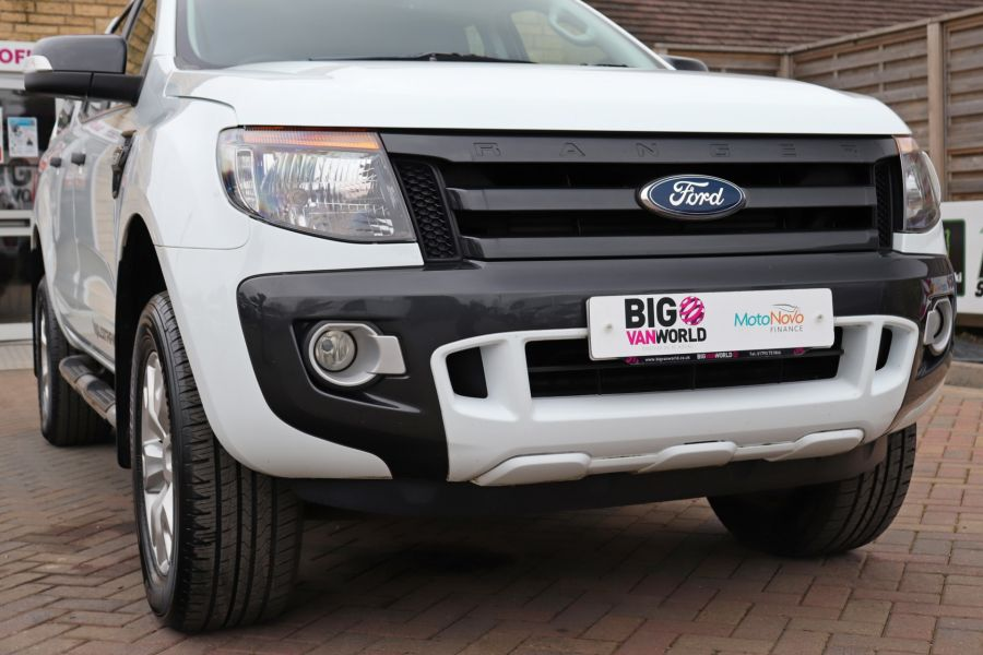 FORD RANGER TDCI 200 WILDTRAK 4X4 DOUBLE CAB WITH TRUCKMAN TOP  (13921) - 12353 - 56