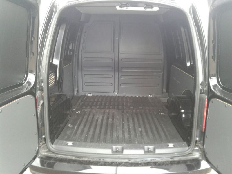 VOLKSWAGEN CADDY C20 TDI 102 BLACK EDITION - 9301 - 3