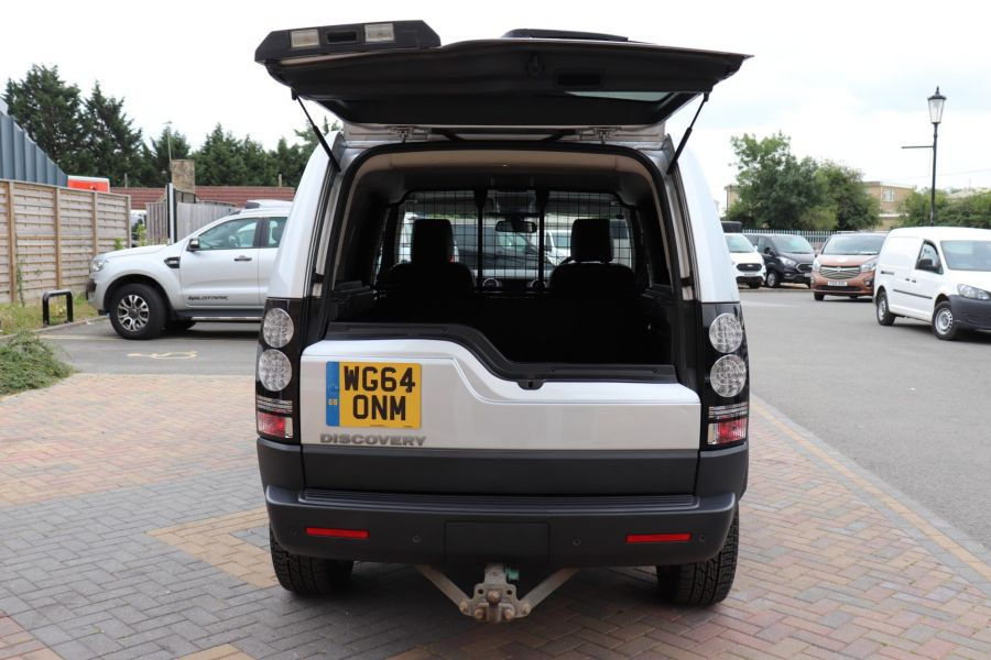 LAND ROVER DISCOVERY SDV6 255 COMMERCIAL XS - 9523 - 42