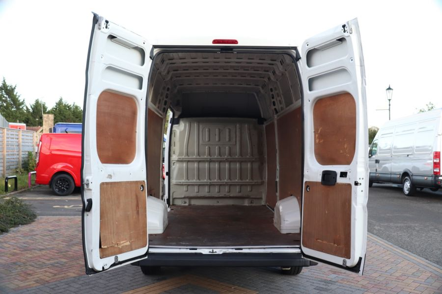 PEUGEOT BOXER 435 HDI 130 L4H3 HIGH ROOF - 9962 - 32