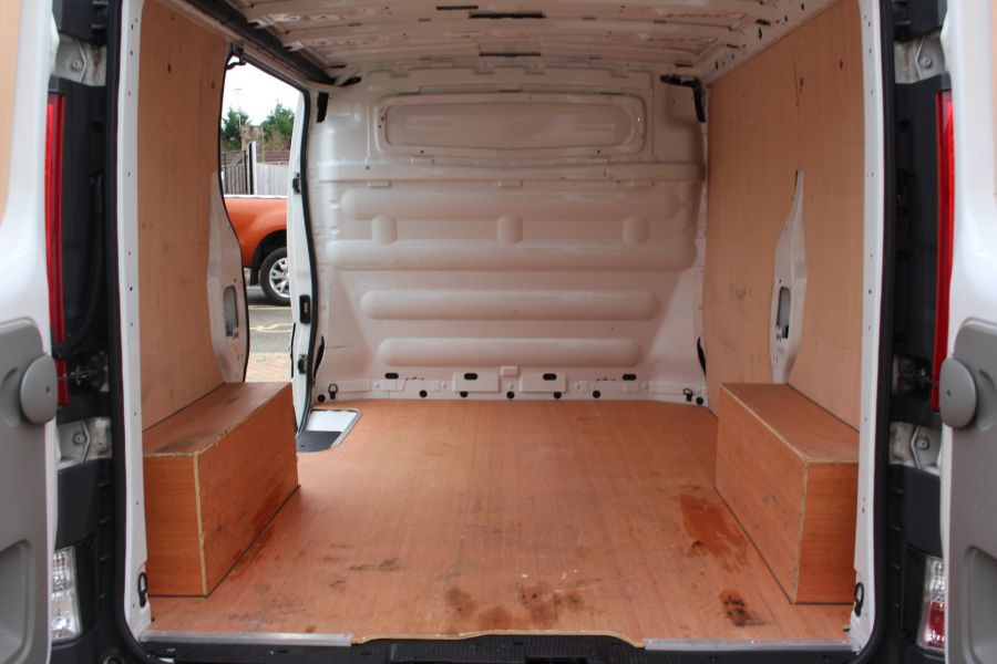 RENAULT TRAFIC SL27 DCI 115 ECO2 SWB LOW ROOF - 6914 - 20