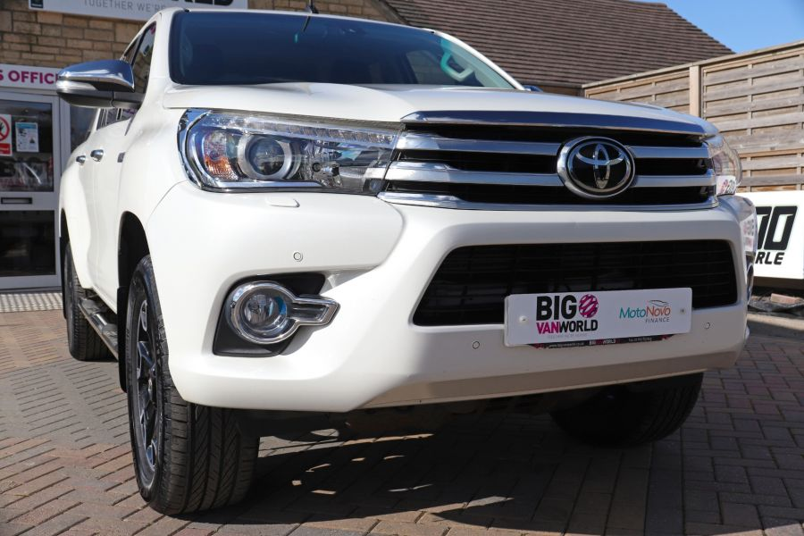 TOYOTA HI-LUX D-4D 150 INVINCIBLE X 4WD DOUBLE CAB WITH ROLL'N'LOCK TOP - 12270 - 52