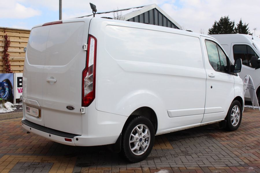 FORD TRANSIT CUSTOM 270 TDCI 125 L1 H1 LIMITED SWB LOW ROOF FWD - 7475 - 5