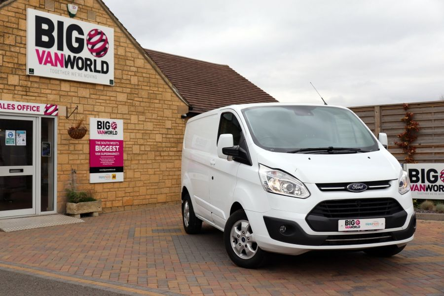 FORD TRANSIT CUSTOM 310 TDCI 130 L1H1 LIMITED SWB LOW ROOF - 11931 - 5
