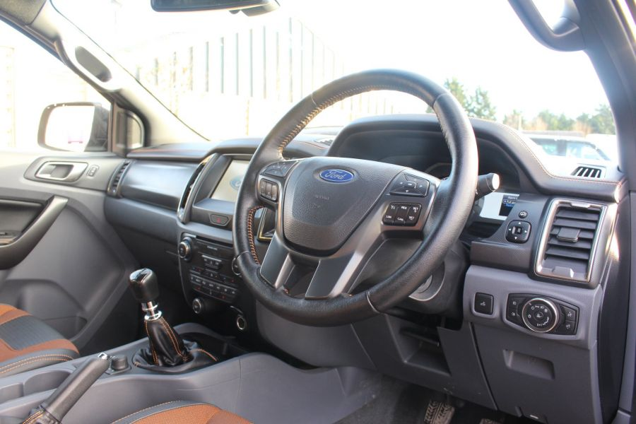 FORD RANGER WILDTRAK TDCI 200 4X4 DOUBLE CAB - 7023 - 13