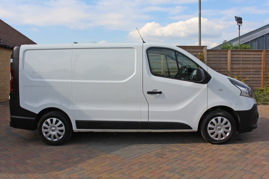 RENAULT TRAFIC SL27 DCI 120 BUSINESS ENERGY SWB LOW ROOF - 8861 - 4