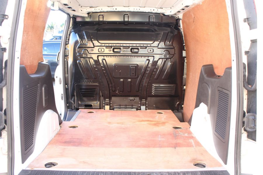 FORD TRANSIT CONNECT 200 TDCI 115 L1 H1 LIMITED SWB LOW ROOF - 6719 - 23