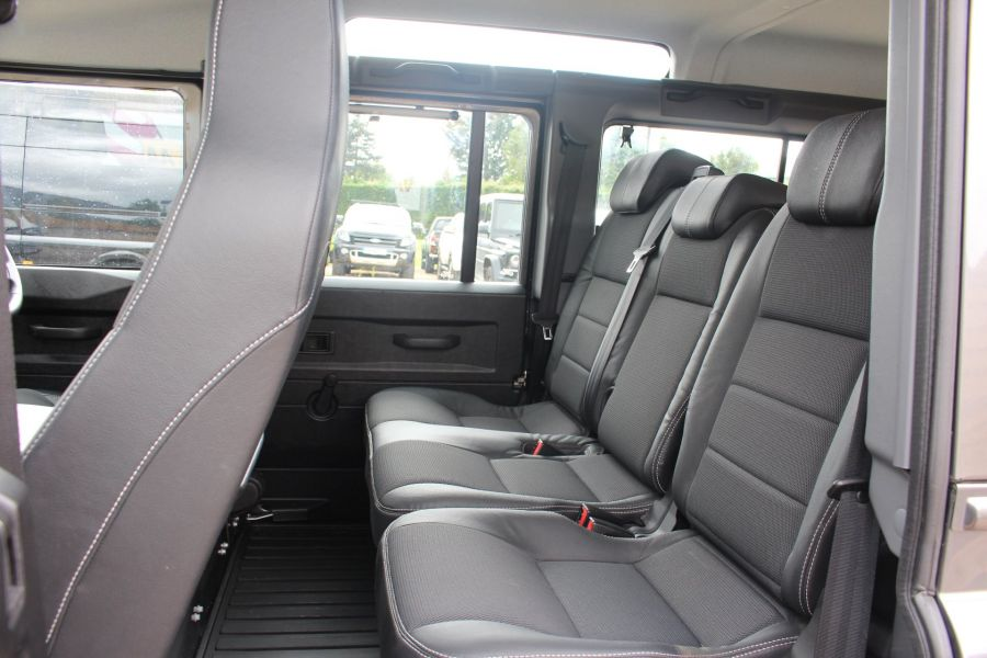 LAND ROVER DEFENDER 110 TD XS STATION WAGON 7 SEATER - 6197 - 20