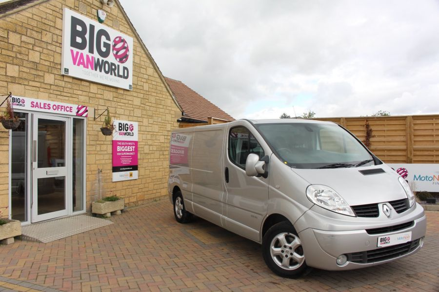 RENAULT TRAFIC LL29 DCI 115 SPORT SPECIAL EDITION LWB LOW ROOF - 6693 - 1