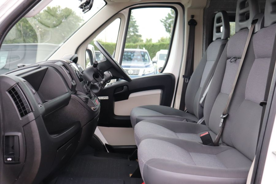 PEUGEOT BOXER 440 HDI 130 L4H2 17 SEAT BUS HIGH ROOF WITH WHEELCHAIR ACCESS - 9625 - 31