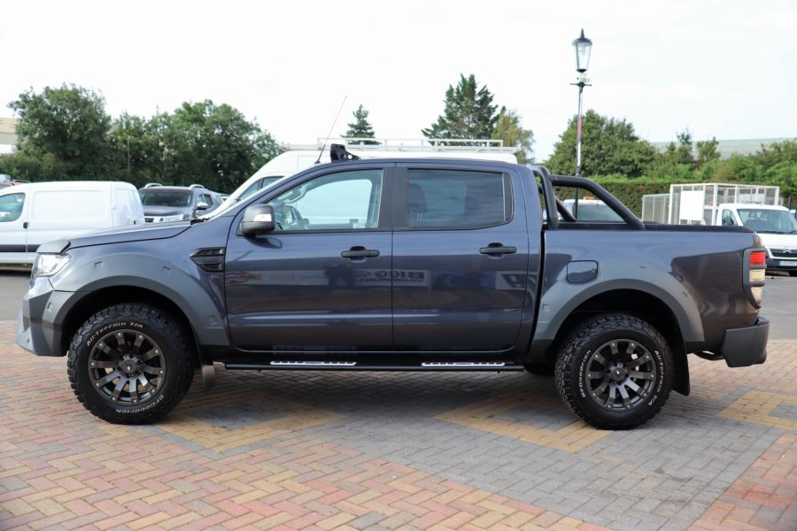 FORD RANGER TDCI 200 LIMITED EDITION 4X4 M-SPORT DOUBLE CAB WITH ROLL 'N' LOCK TOP - 9615 - 8