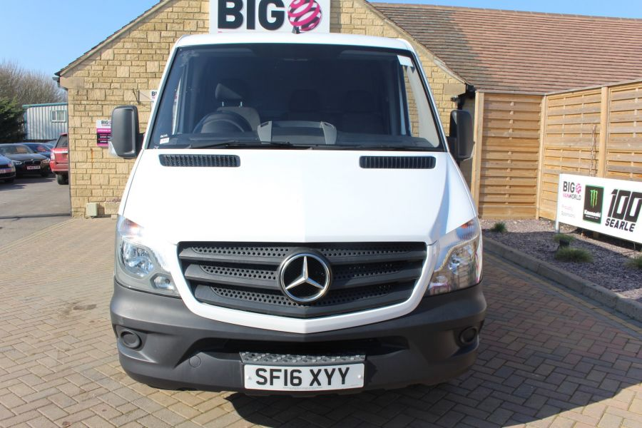 MERCEDES SPRINTER 313 CDI SWB STANDARD LOW ROOF - 8790 - 9