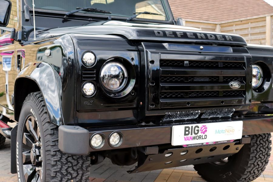 LAND ROVER DEFENDER 90 TD 122 XS URBAN TRUCK HARD TOP - 11096 - 48