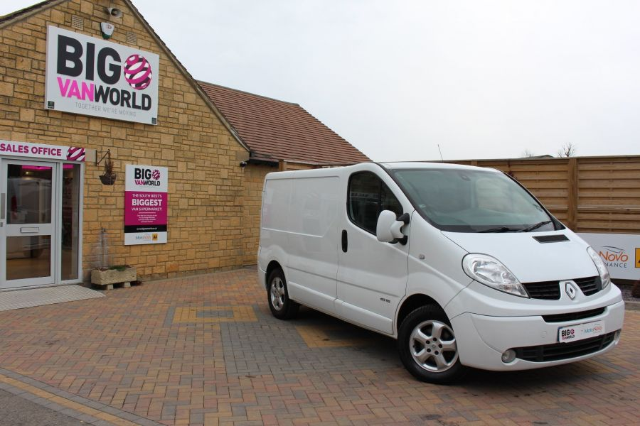 RENAULT TRAFIC SL27 DCI ECO2 115 SPORT QUICKSHIFT SWB LOW ROOF - 7484 - 1